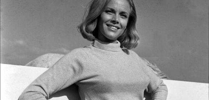 Honor Blackman, morta l'attrice di Pussy Galore: aveva 94 anni