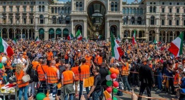 Gilet arancioni: chi sono e ideali del movimento che ha manifestato a Milano